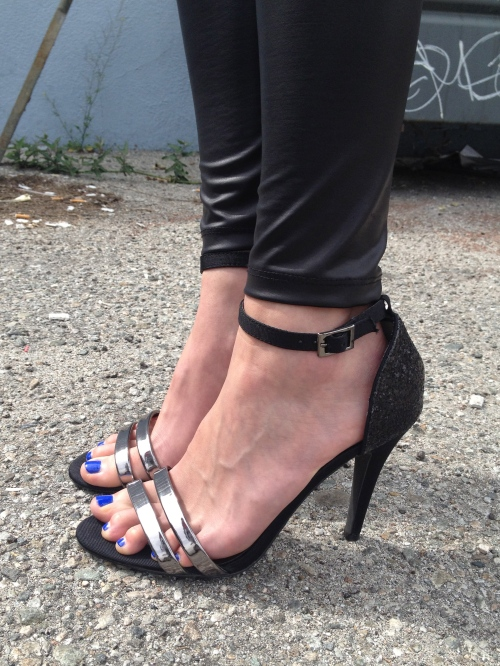 black and silver strappy heels with blue toe polish